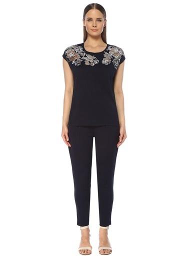 NetWork Kadın 1073762 Transparan Çiçek Nakışlı T-shirt Lacivert